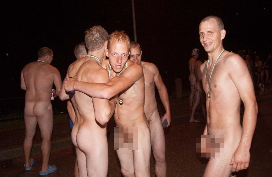 пьяные голые парни фото
